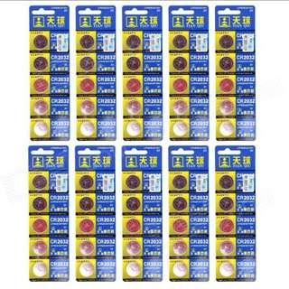 🚚 Brand New Set of 10 3V CR2032 DL2032 BR2032 Button Battery Free Postage for S$4