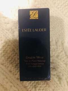 Estee Lauder Double wear in Ivory Beige
