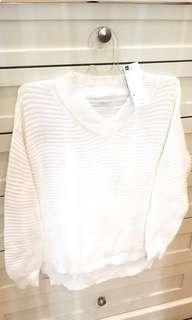 GU brand Sweater rajut putih