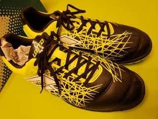 意大利 Lotto足球鞋