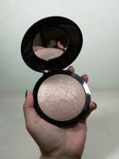 H&M Spotlight Glow Powder - Sumptuous Peach