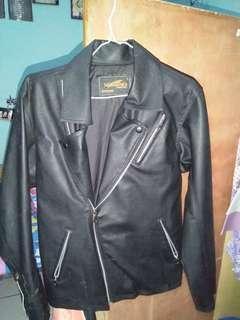 Jaket kulit cewe