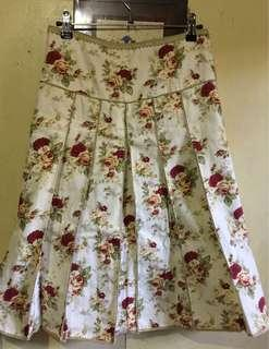 Victorian Flowers Pleated Long Skirt