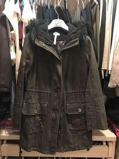 🚚 Vigny軍綠色大衣外套