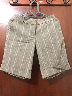 Celana pendek retro