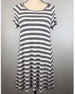Old Navy Dress / Dress Motif Garis