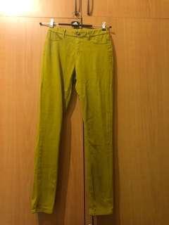 🚚 日本🇯🇵uniqlo 芥末黃超彈性長褲M號