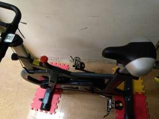 (急放) 健身單車 動感單車 app連接 9成新