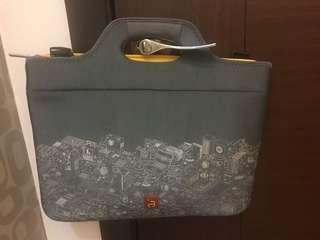 Laptop bag with handle and sling