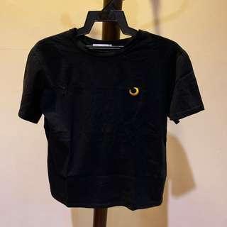 Black T shirt with Luna logo