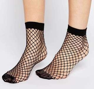 🚚 BN ASOS Design oversized Fishnet ankle socks