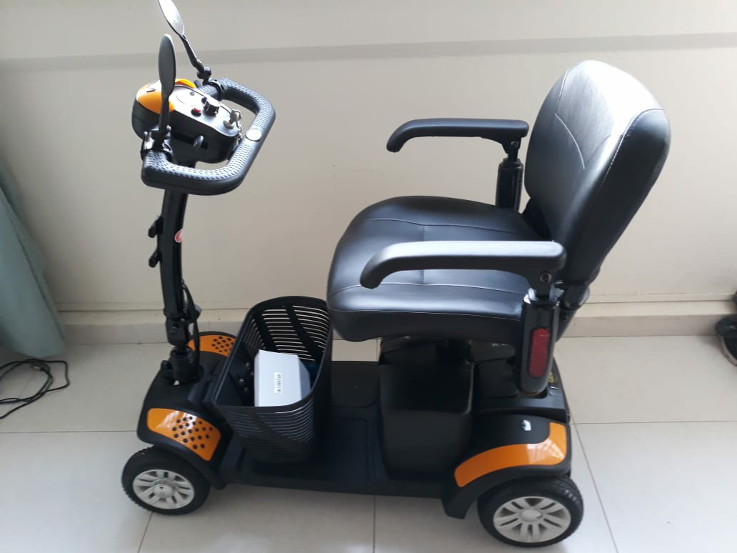 4 Wheel Mobility Scooter (Battery Operated) Fast Sale