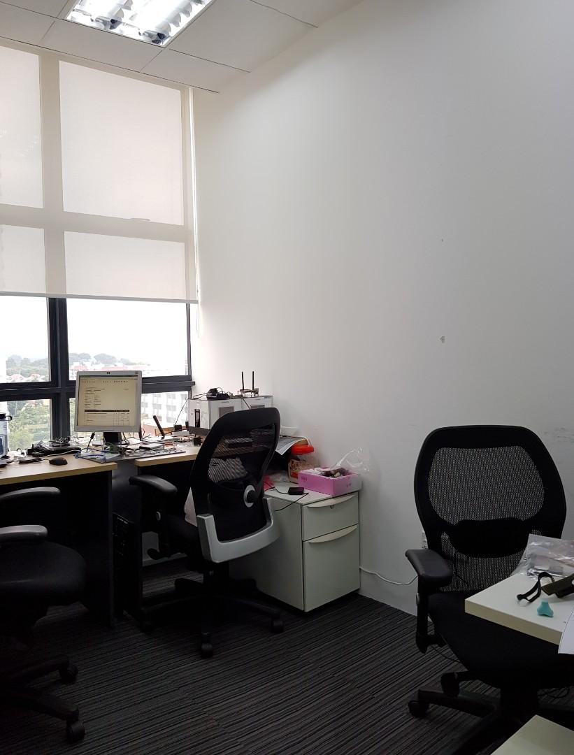 Fitted & move in condition unit for rent @ Midview City