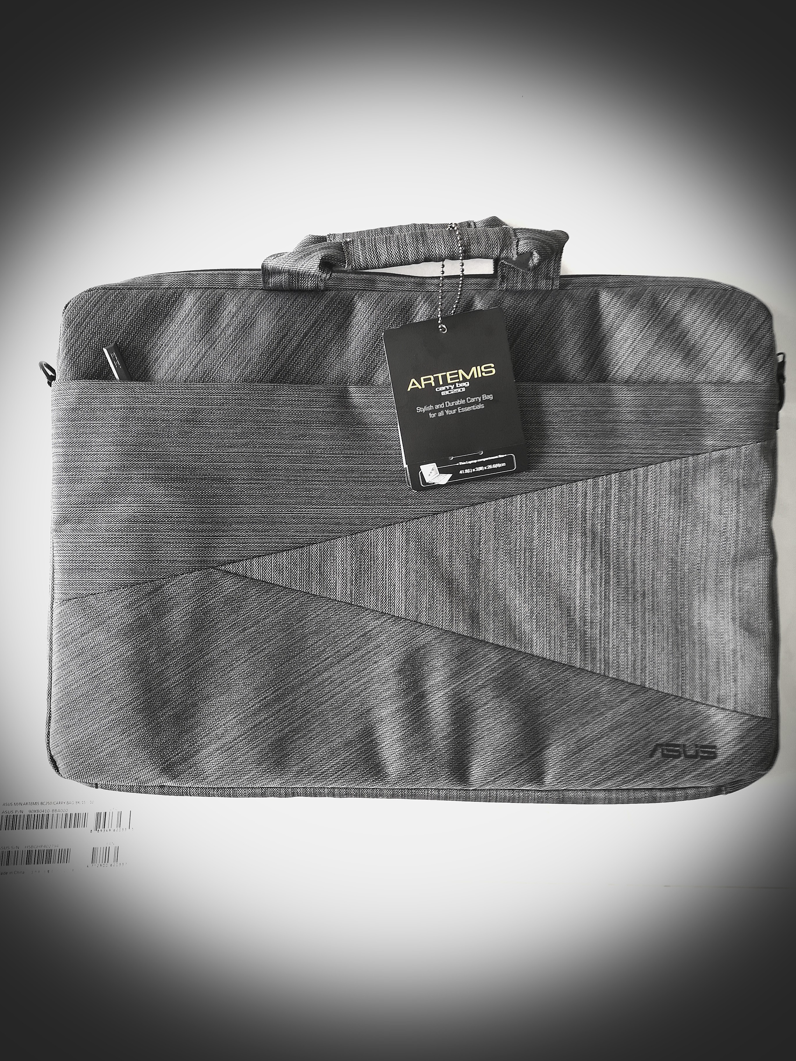 4fe317c77af9 Laptop Bag (fits up to 15.6inch laptop) on Carousell