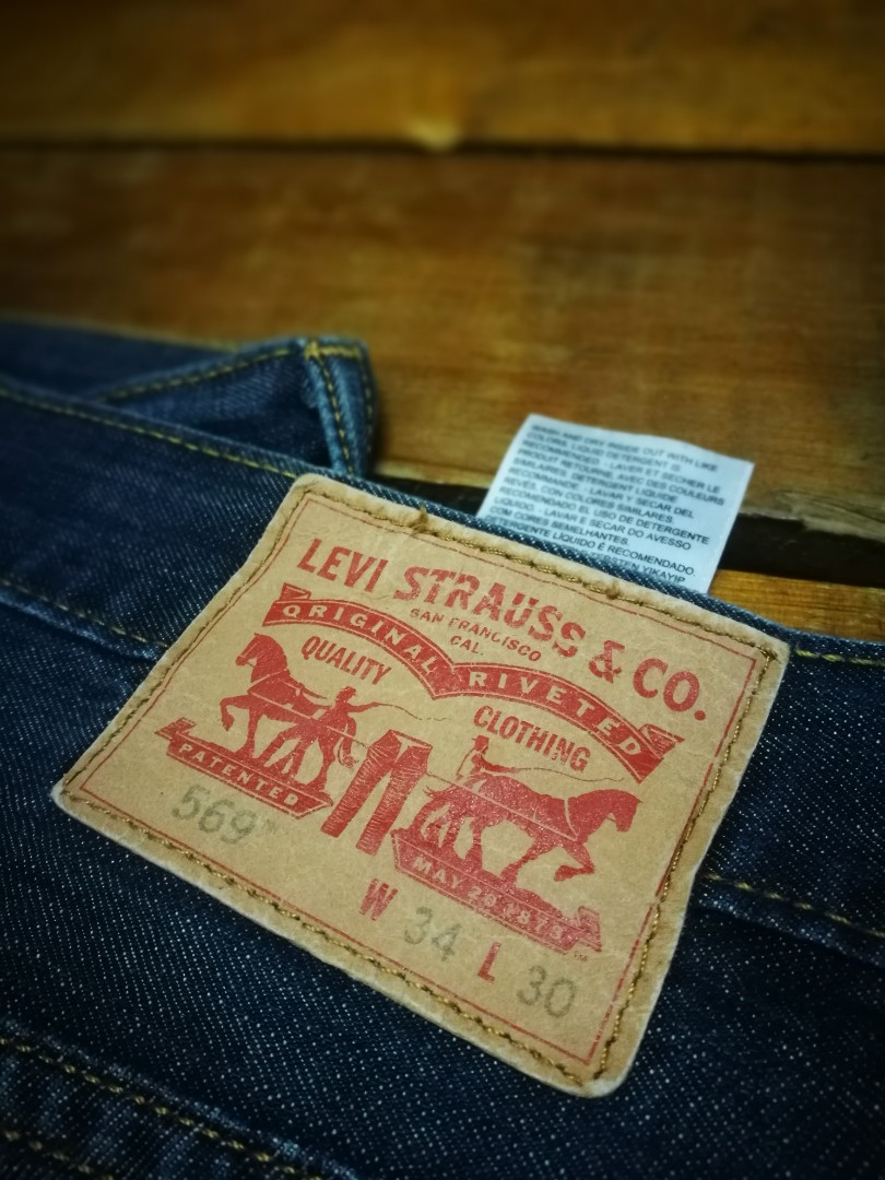 bfc0a8d5 Levis 569 button j, Men's Fashion, Clothes, Bottoms on Carousell