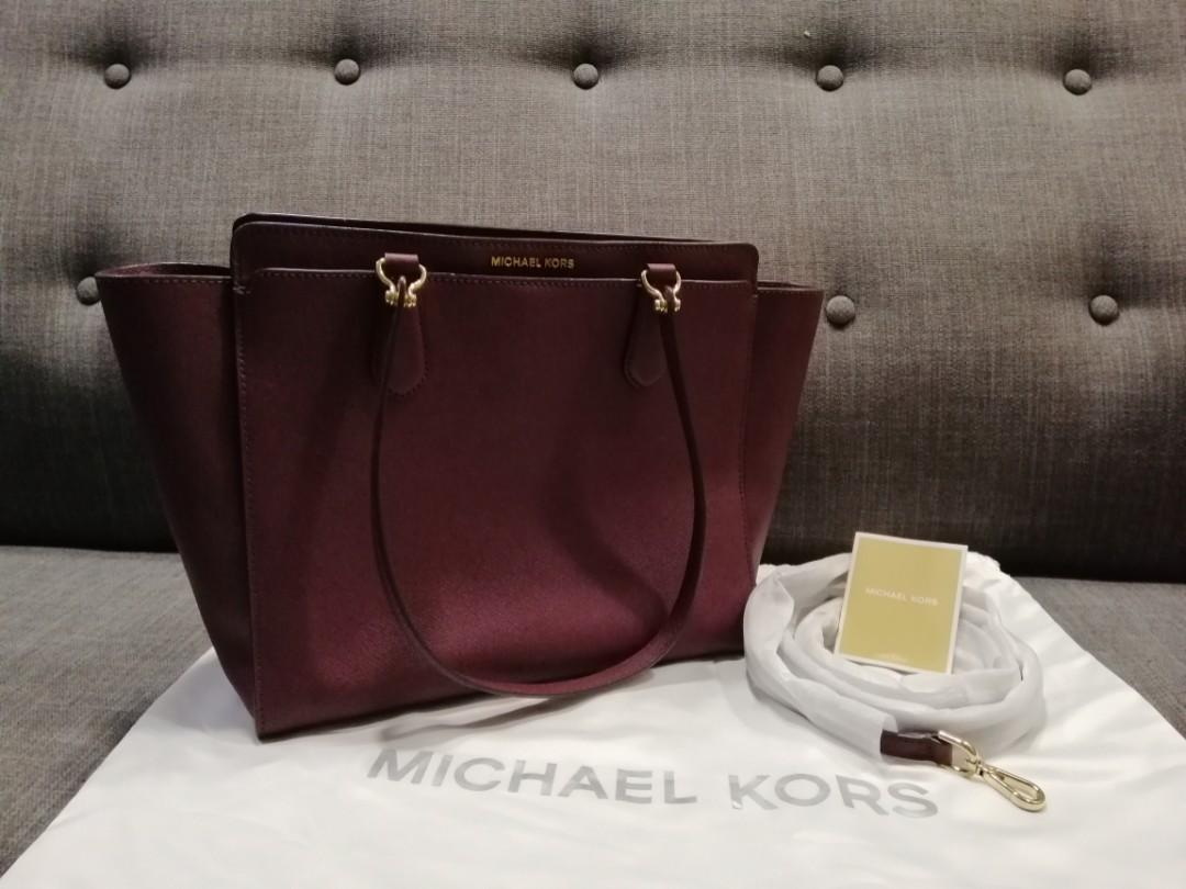 0dbf6113997650 Michael Kors Signature Dee Dee Large Convertible Shoulder Bag(Plum ...