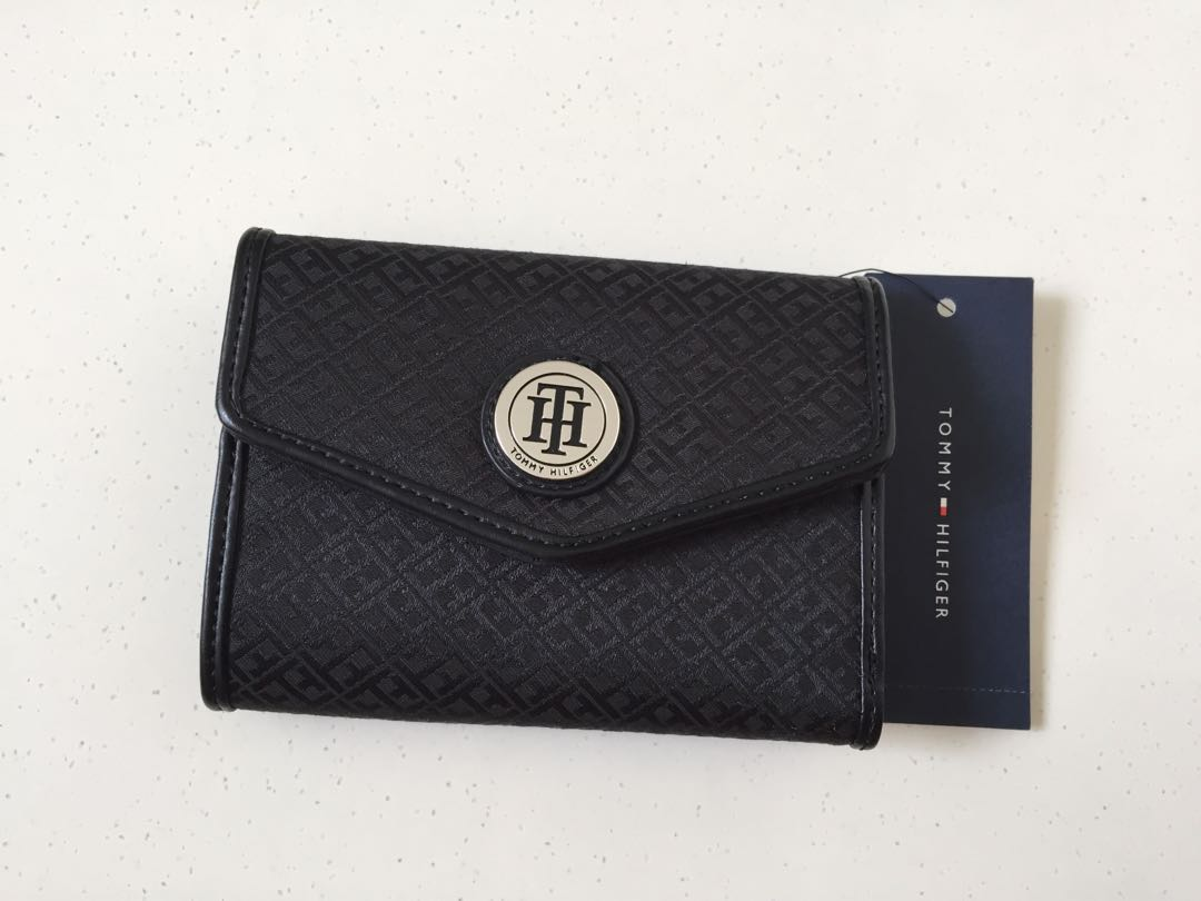 c752864bc7 New Ladies Tommy Hilfiger Wallet, Women's Fashion, Bags & Wallets ...