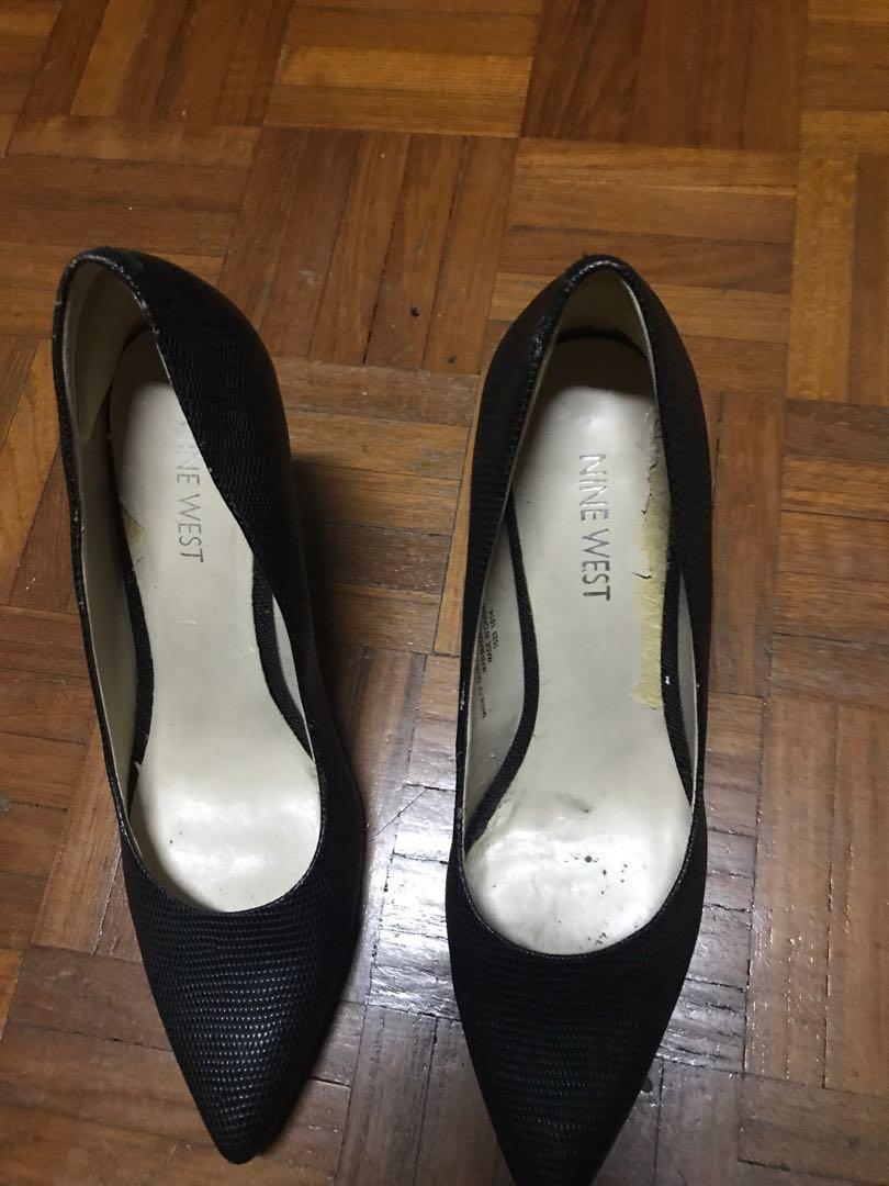 10fbd76e354 Nine West black shoe, Women's Fashion, Shoes, Heels on Carousell