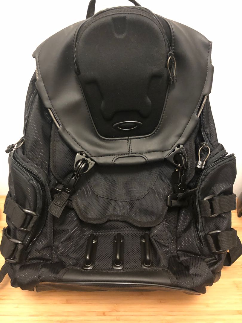 f548761db2 Oakley Bathroom sink stealth black backpack