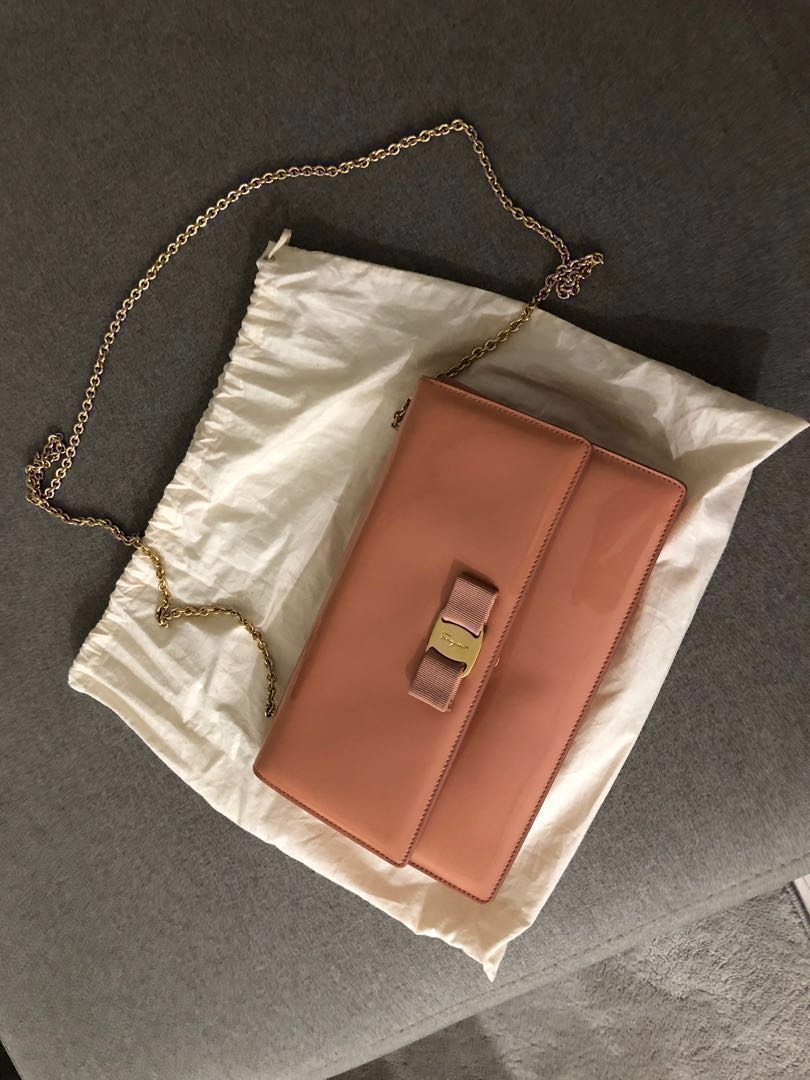 Salvatore Ferragamo Ginny Patent Leather Bag - Nude Pale Pink ... 872586896be25