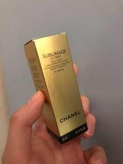 Chanel SUBLIMAGE cream foundation #20 #30