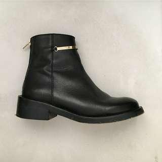TOPSHOP - Black Leather Ankle Boots with Gold Details (Size 38)