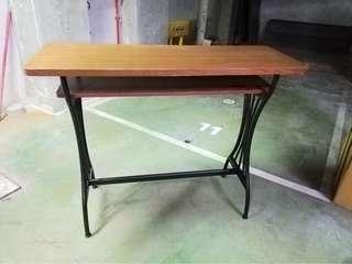 景觀桌、邊桌、咖啡館邊桌,材質很好,很穩,有二個