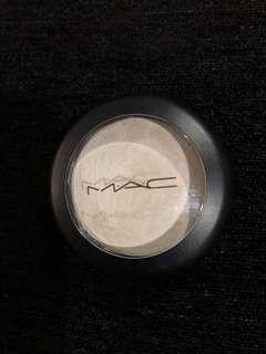 Preloved (Free NM): MAC Cosmetics Cream Colour Base in Luna