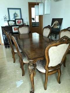 Extendable Dining Table w/ 6 Chairs