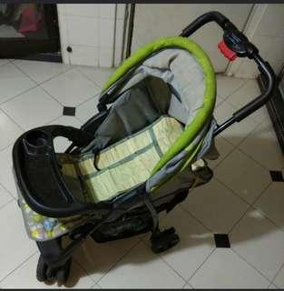 baby stroller at admiralty mrt station