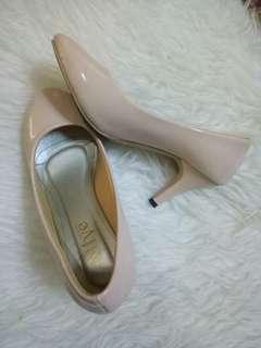 Basic Pump Heel