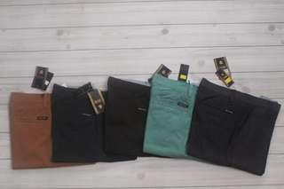 [Big Sale] celana pendek polos santai, size 29/34 terbaru