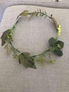 Foliage crown