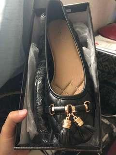 Tomaz Flat Shoes In Black