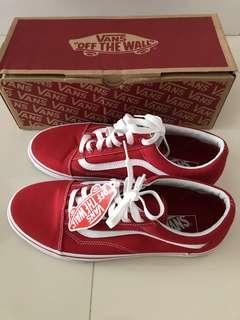 🚚 Vans Shoes BNWT full box