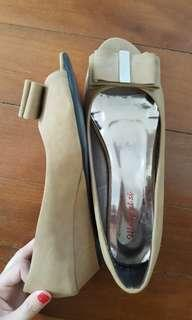 Bow low wedges sz6