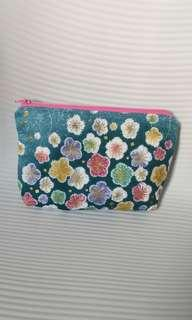 Cosmetic Bags / Pouches