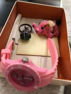 🚚 手錶(沒電)加吊飾