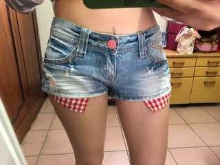 紅格紋口袋低腰短褲