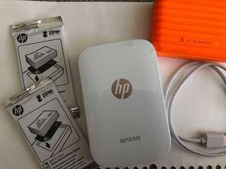 Hprocket photo printer with 20 zink papers