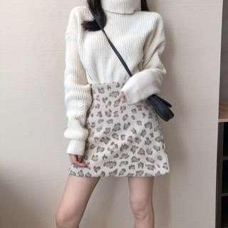 🚚 豹紋保暖米白裙