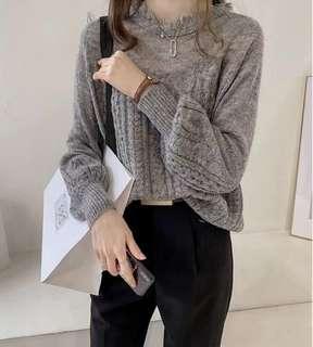 🚚 【現貨】毛海澎澎袖針織上衣。灰色