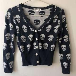 Skull cardigan in navy blue and white