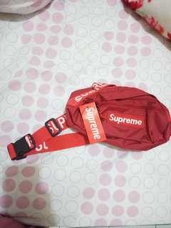 waist bag merah supreme