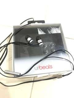 Beats' earphones good condition limited space grey authentic