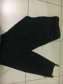Jeans PNB hitam