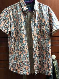 Sale Nice Shirt !!! Lelong $10 only !!!