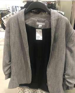 Looking for H&M Blazer (as in the picture)