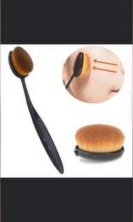 Oval Foundation Makeup Brush