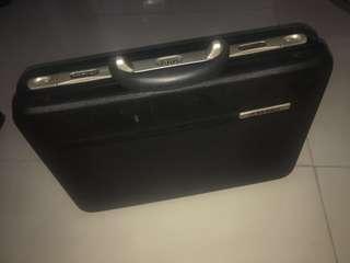 Diplomat briefcase hard
